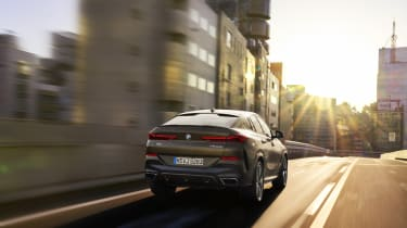 2019 BMW X6 - rear 3/4 dynamic shot