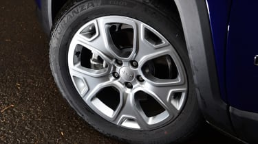 Jeep Renegade alloy wheel
