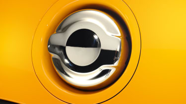 MINI hatchback 2014 fuel filler cap