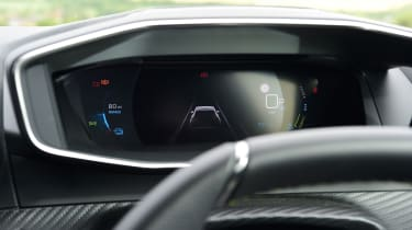 Peugeot e-2008 SUV driver display