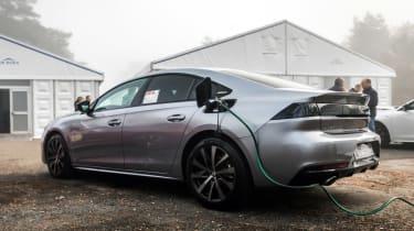 Peugeot 508 hybrid charging
