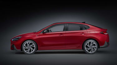 2020 Hyundai i30 Fastback - side view
