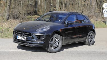 2021 Porsche Macan SUV front 3/4 static
