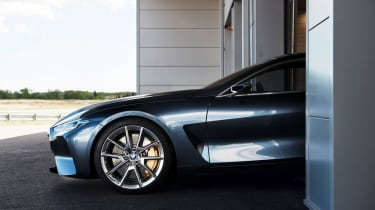 The concept features 21in alloy wheels. The production car could follow suit.