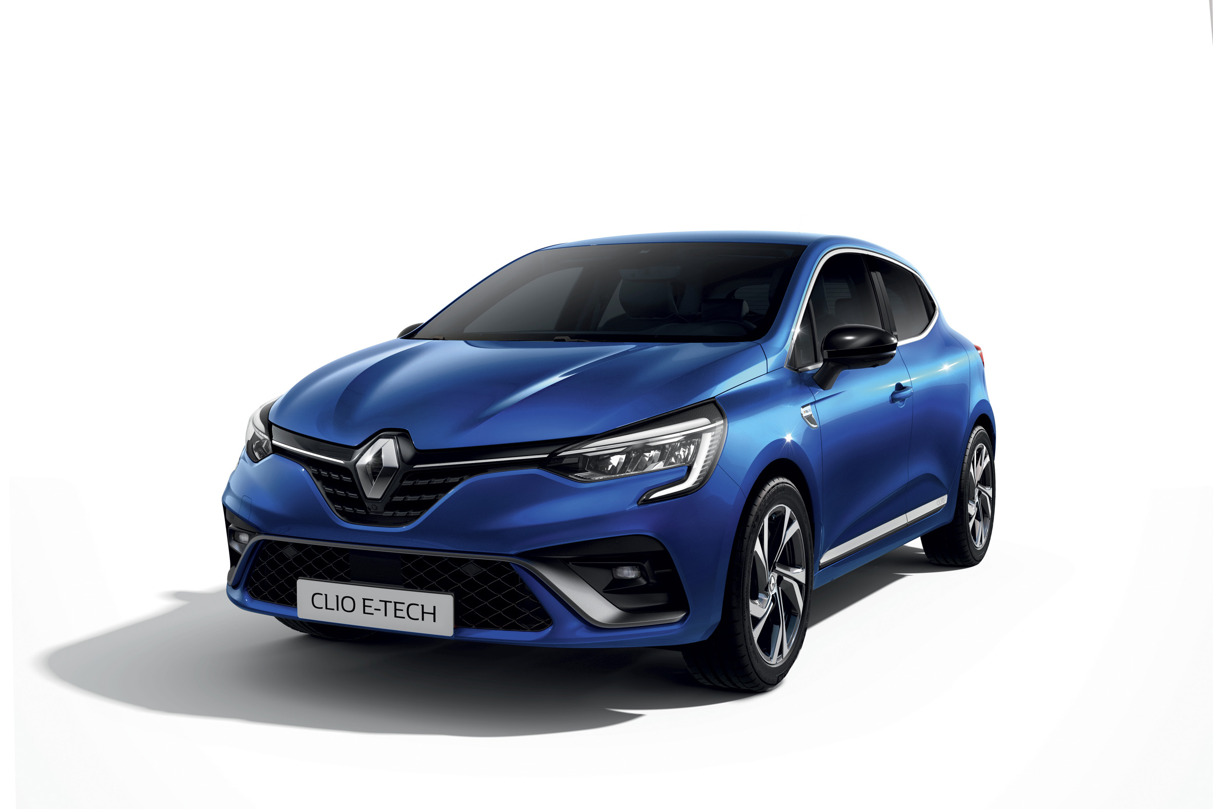 New 2020 Renault Clio E Tech Hybrid Model Starts At 19 595 Carbuyer