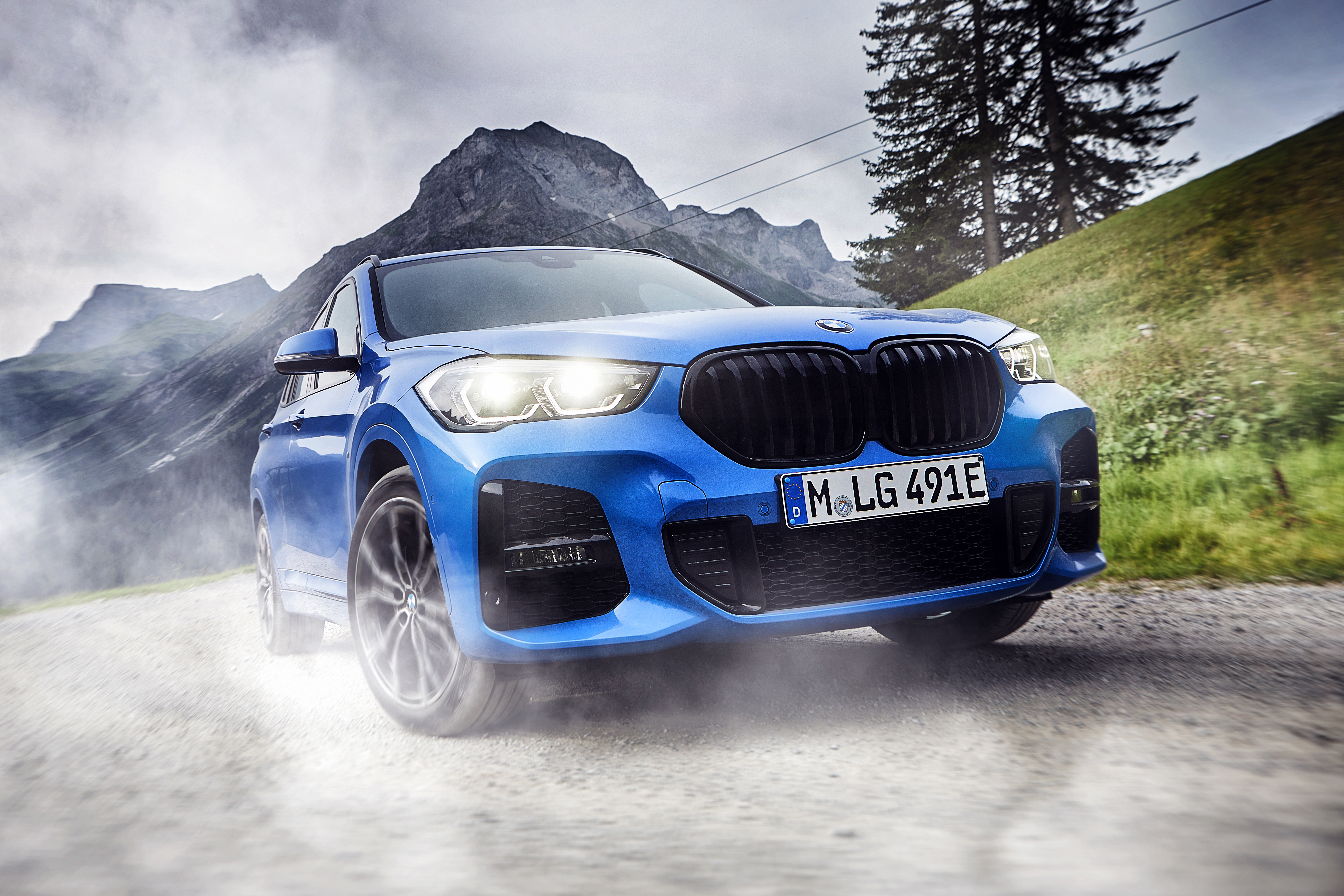 Bmw X1 And X2 Xdrive25e Plug In Hybrids More Specs Released Carbuyer