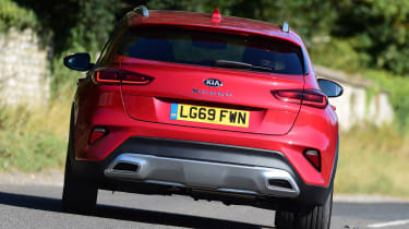 Kia XCeed hatchback rear cornering