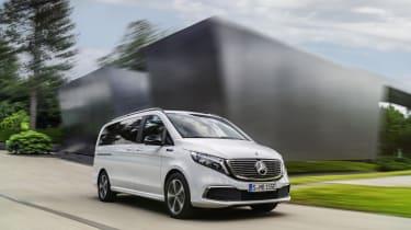 Mercedes EQV - front dynamic 3/4 low view