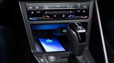 2021 Volkswagen Polo - centre console