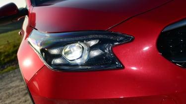 Kia XCeed hatchback headlights