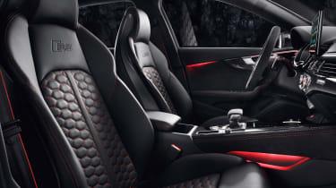 Audi RS4 Avant front seats