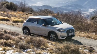 DS 3 Crossback E-Tense pre-production side tracking