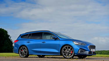 Ford Focus ST Estate front 3/4 static