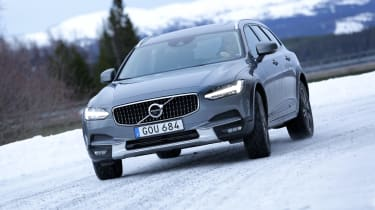The V90 Cross Country has a choice of two diesel engines