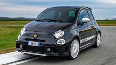 Abarth 695 Esseesse - front 3/4 dynamic
