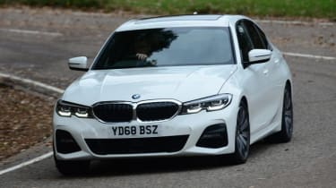 BMW 3 series - dynamic 3/4 cornering
