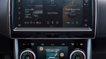 2020 Jaguar XE facelift infotainment system