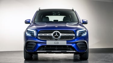 2019 Mercedes GLB - front straight on view