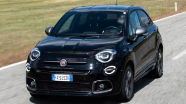 Fiat 500X Sport - Front 3/4 view driving