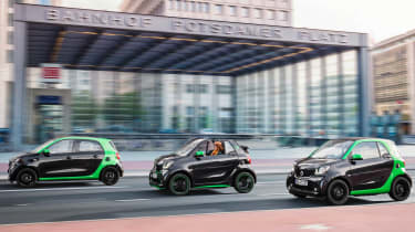 Electric versions of the Smart ForTwo, Smart ForTwo Cabrio and Smart ForFour will have a 100-mile range