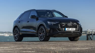 Audi SQ8 - front 3/4 view static