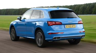 Audi Q5 - rear 3/4 passing