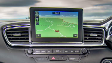 kia ceed gt infotainment display