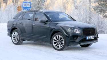 Bentley Bentayga facelift spotted testing - side view