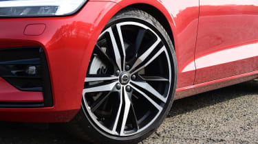Volvo S60 saloon alloy wheels