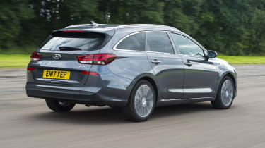 Hyundai i30 Tourer - rear 3/4 tracking