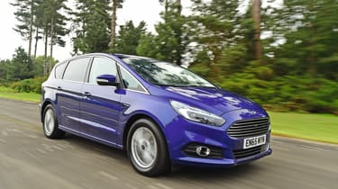 Ford S-MAX - front 3/4 view