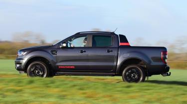Ford Ranger Thunder - side view passing