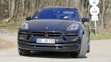 2021 Porsche Macan SUV front