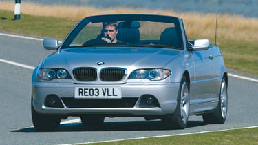 BMW 3 Series convertible - front 3/4 tracking