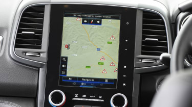 The Signature Nav trim benefits from an attractive portrait 8.7-inch touchscreen