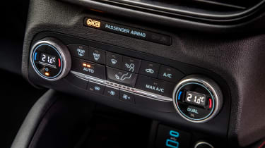 Ford Kuga Plug-in Hybrid climate control