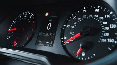 2019 Renault Clio - analogue gauges