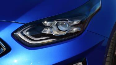 Kia Ceed hatchback headlights