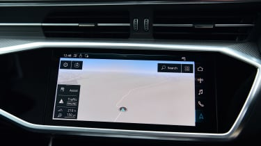 Audi RS6 Avant estate navigation