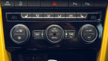 Volkswagen T-Roc Cabriolet climate control