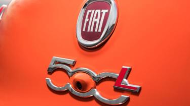 Fiat 500L badge