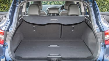 The boot can handle 472 litres of luggage