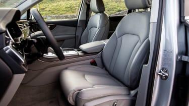 Audi Q7 SUV front seats