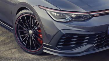 Volkswagen Golf GTI Clubsport 45 front end