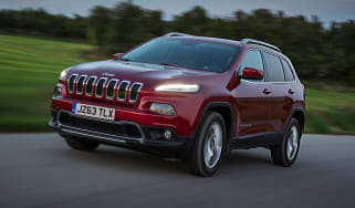Jeep Cherokee front quarter tracking