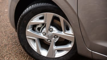 Hyundai i10 hatchback alloy wheels