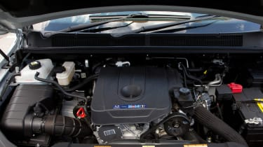 2018 SsangYong Turismo engine