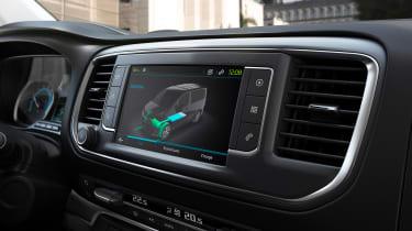 Peugeot e-Traveller info screen
