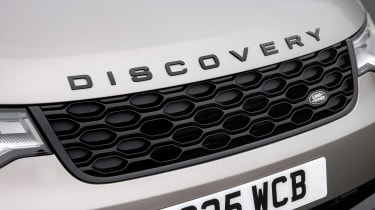 Land Rover Discovery SUV grille