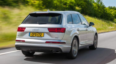 Audi Q7 S Line rear tracking